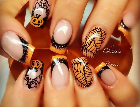 32 Trendy and Short Nails for Halloween - Fashionre